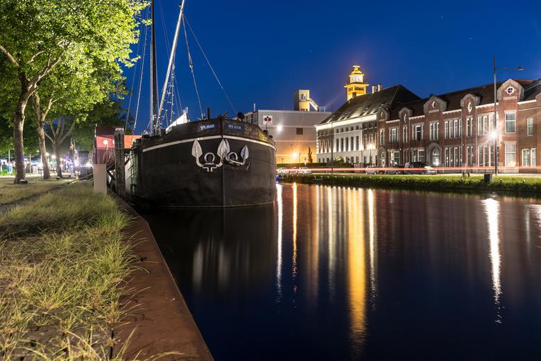 Wilmar - Pannenkoekenboot die ligt aangemeerd in Helmond