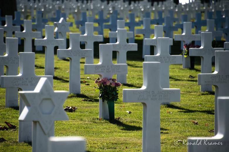 Opdat we niet vergeten! - In stille herinnering aan al diegenen die op D-day begonnen zijn met de bevrijding van Europa. Opdat we niet vergeten welk e