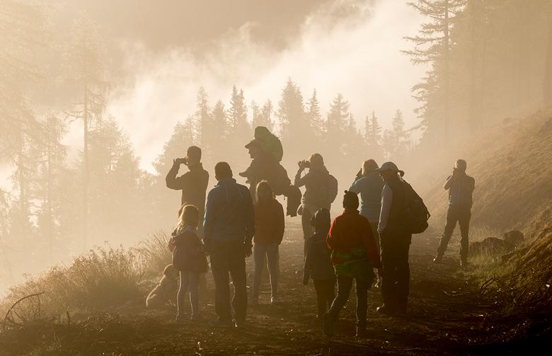 Zonsopgang wandeling - Heel vroeg in de ochtend gingen wij op stap om vanaf een berg de zonsopgang mee te maken. De zon was keurig op tijd en de ochte