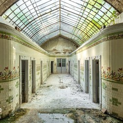 Abandoned Bathhouse