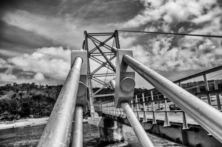 Yellow Bridge - Nusa Lembongan - The Yellow Bridge verbindt de eilanden Nusa Lembongan en Nusa Ceningan, de kleine broertjes van Bali.