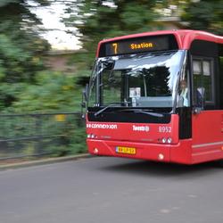 Stadsbus met snelheidseffect