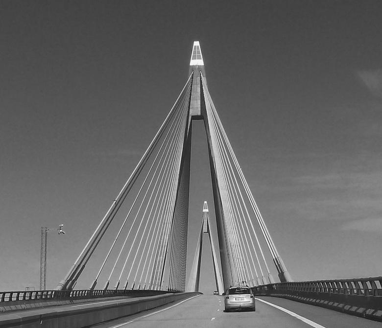 Kabelbrug - Dit is de Uddevallabron in Zweden type hangbrug met een lengte van 1.712 meter.