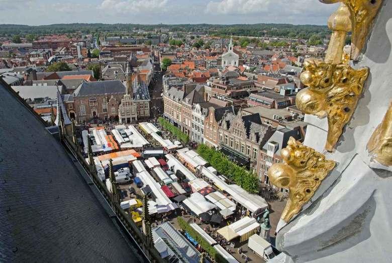 Bovenaanzicht grote markt Haarlem  - Zicht op de grote markt van Haarlem vanuit de grote of Sint-Bavokerk