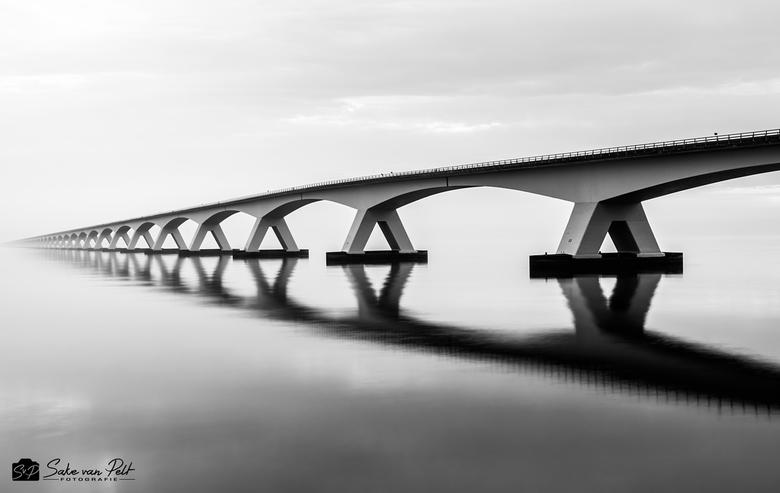 Bridge to Infinity - Naast fotografie is Duiken een van mijn andere passies. Vijf keer per jaar gaan we met de Leidse Studenten Duikvereniging (LSD) n