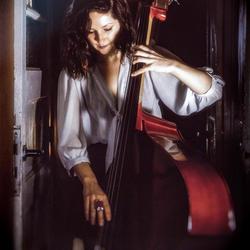 Judith Contrabas 2