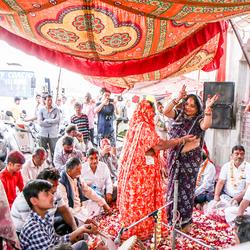 Dansen op Holi in India