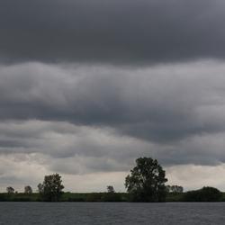 Onweerswolken boven Tiengemeten