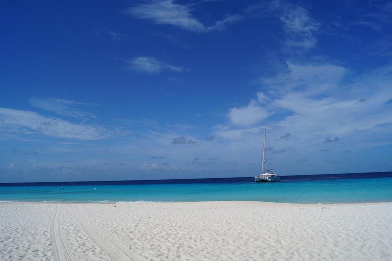 Klein Curaçao  - Uitzicht vanaf het strand van Klein Curaçao, wanneer er nog niet veel toeristen zijn.