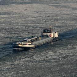 Schip in het ijs
