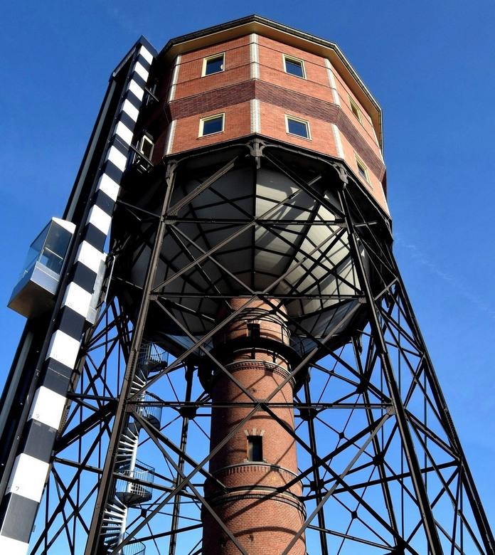 watertoren Groningen 2 - Mooi watertoren aan de Noorderbinnensingel in Groningen, mijn tweede.<br /> Deze is gebouwd in 1908, ontworpen door architec