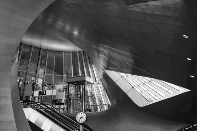 Time to travel - De prachtige hal van Arnhem CS leent zich bij uitstek voor het maken van leuke foto's!