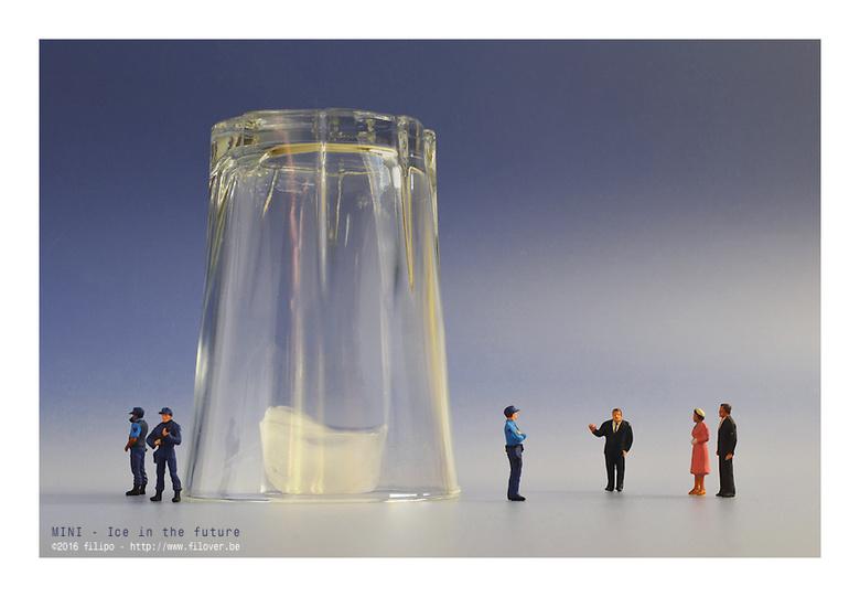 """MINI - De toekomst van ijs - Dit wordt misschien de toekomst van ijs : enkel nog te bewonderen op exposities als curiosum <img  src=""""/images/smileys/w"""
