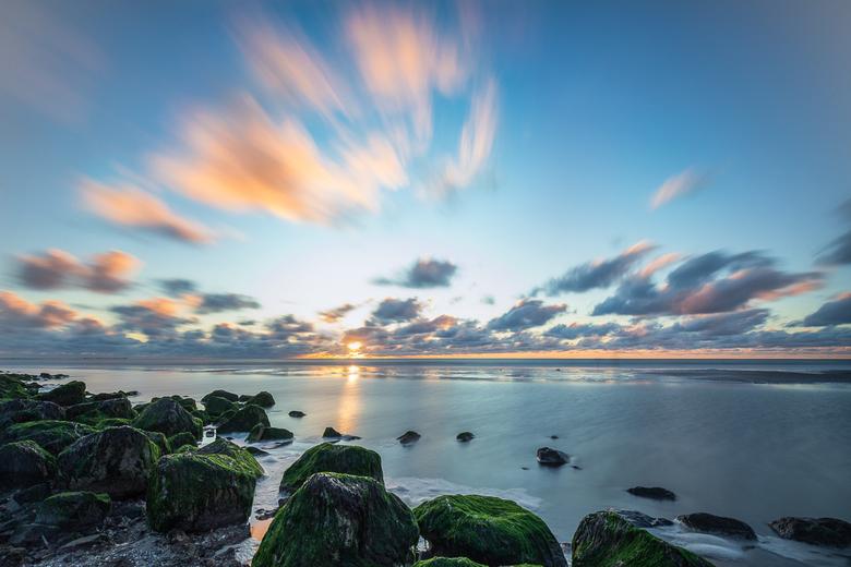 """Sunset at the Sea - Toen het mooie wee voorbij was , gingen wij nog een paar dagen naar Ameland. Maar mooi is het daar altijd <img  src=""""/images/smile"""