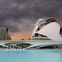 Storm boven het operahuis