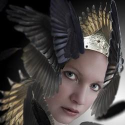 feather queen
