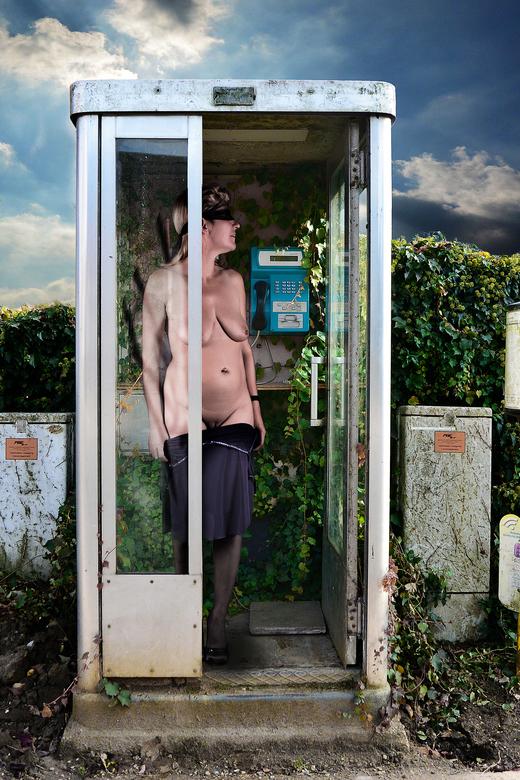 De laatste telefoon cel - Ze werkte nog, was vol klimop en is nu weg