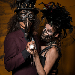 Steampunk duo