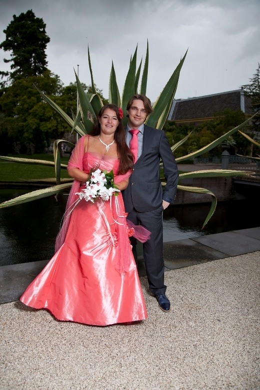 Sanneke en Dennis - bruiloftsreportage van Sanneke en Dennis. Gebruik gemaakt van strobisttechniek.<br />