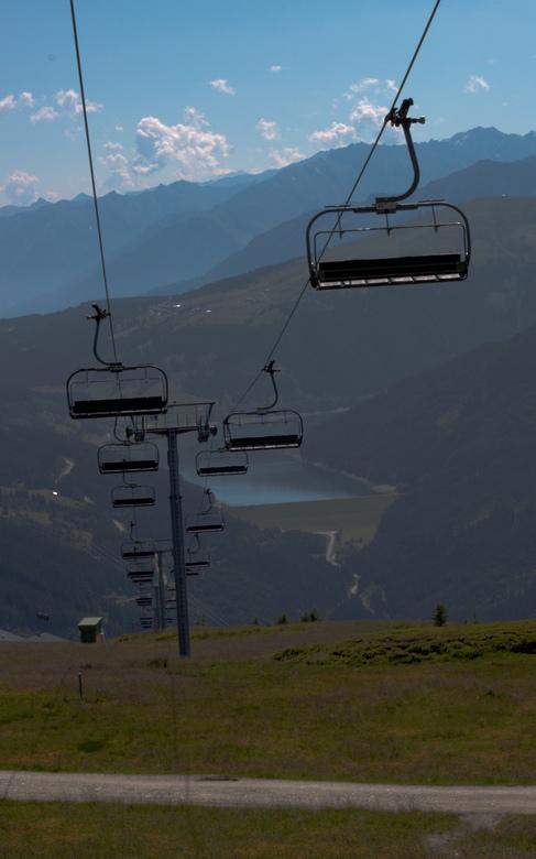 Niemandsdal - Verlaten bergbaan in de zomer van 2011 bij het dorpje Gerlos in Tirol.