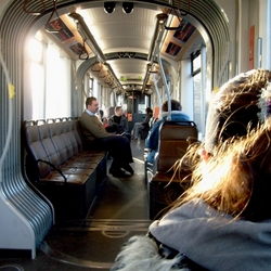 ochtendzon in de tram