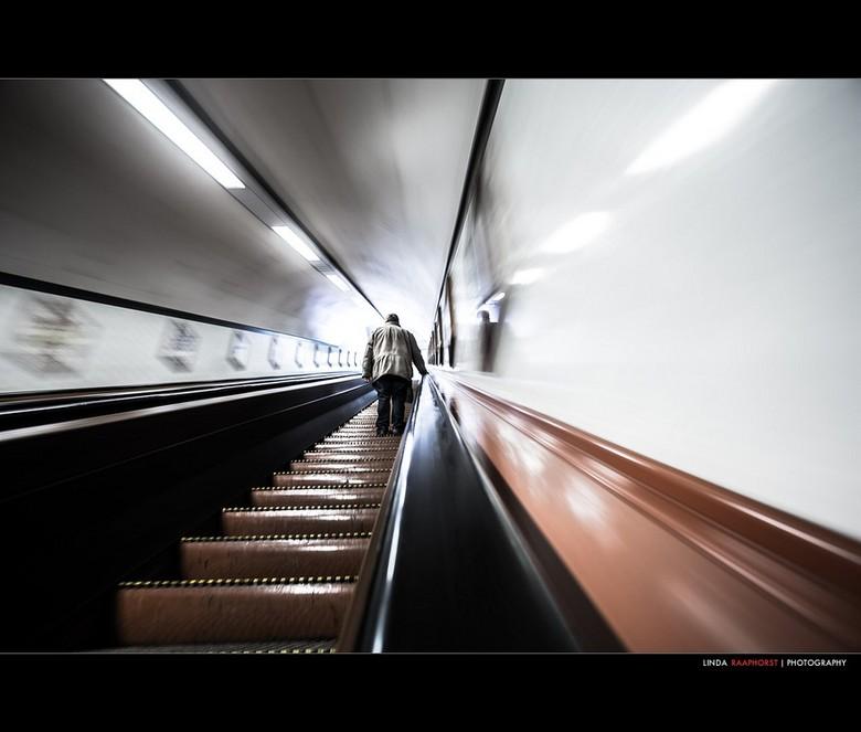 voetgangerstunnel - Laatst was ik ook weer in de tunnel met de beroemde roltrappen
