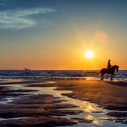 Zonsondergang 6 mei Hoek van Holland