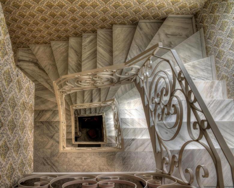 Het trappenhuis architectuur foto van dennisvdwater zoom