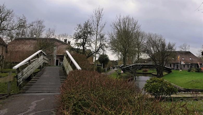 Giethoorn  - Kort bezoekje gebracht aan Giethoorn. Geen toerist te bekennen.