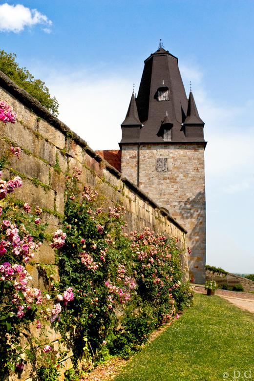 Burg Bentheim - Tijdens mijn vakantie in Juli het plaatsje Bad Bentheim bezocht en dit kasteel bezichtigd genaamd: Burg Bentheim. <br /> <br /> Best