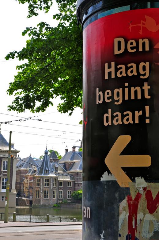 Den Haag: daar gebeurt het - Den Haag, centrum van politiek Nederland met daarbinnen het torentje van de Minister-President