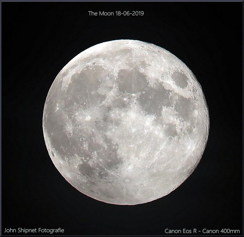 De Maan 18-06-2019 - afgelopen nacht was er een hoop sluierbewolking dus een schaars moment om de maan duidelijk op de foto te krijgen maar redelijk g