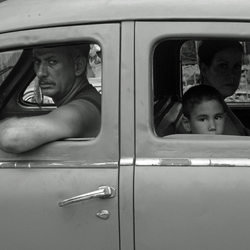 Cuba happy family on tour