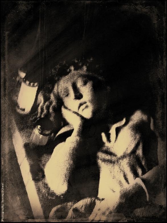 "Der Geist eines Mädchens  - <span style=""font-weight:bold;"">Der Geist eines Mädchens</span><br /> <br /> Een 350 jaar oud beeld in een grot ter nage"
