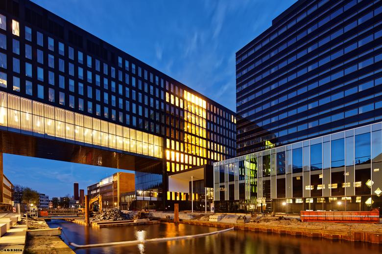 Universiteit van Amsterdam. - Roeterseiland.( onder constructie )