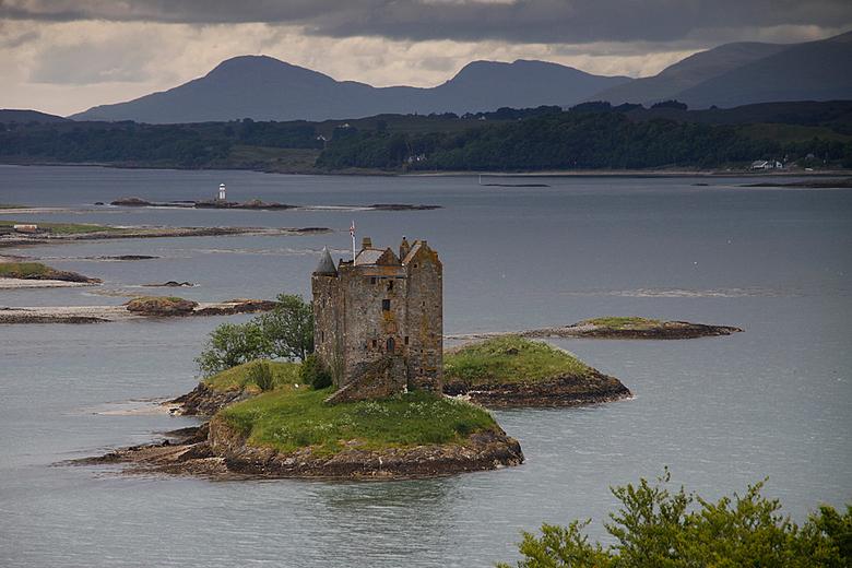 Schotland 4 Castle Stalker - Castle Stalker aan het Loch Linnhe (met dank aan Adri (fotoA3), welke de naam van dit kasteel aan mij bekend maakte).<br