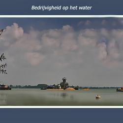Bedrijvigheid op water