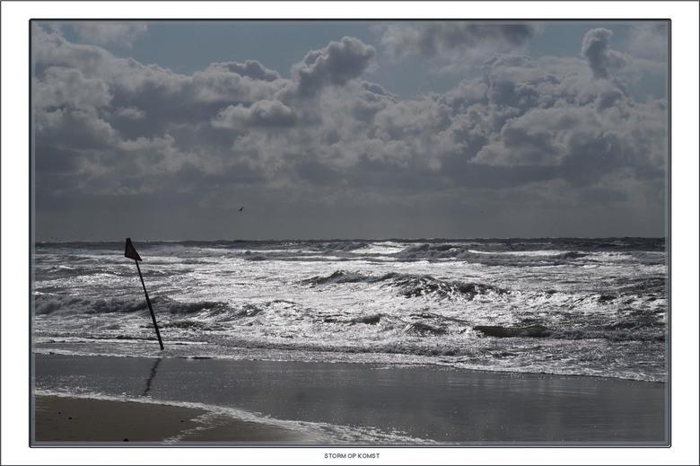 Storm op komst - Een dag voor de eerste herfststorm was de zee al behoorlijk onrustig.<br /> <br /> Iedereen bedankt voor de leuke reacties op mijn