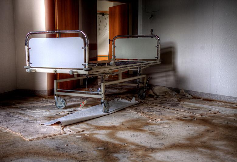 SB Hospital 7 - Op 17-7-2010 hebben Daan en ik een bezoek gebracht aan dit ziekenhuis<br /> <br /> Het is een hdr foto<br /> <br /> Kijk ook eens