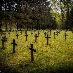 Urbex kerkhof 02
