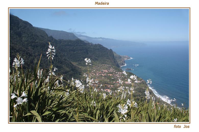 Madeira 5 - Het eiland Madeira is hemelsbreed slechts 65 km lang en zo'n 20 km breed. Toch is er een ontzettende tegenstelling. De kusten met hun