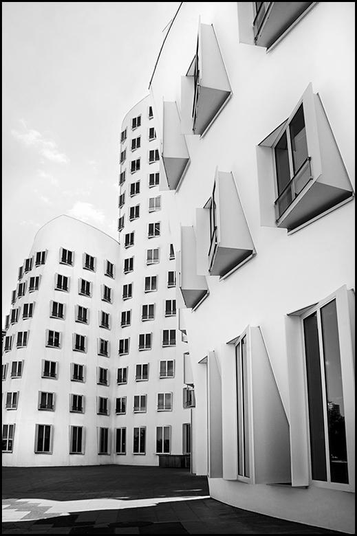German architecture 03 - Architectuur is een mooi iets, het is divers en als het goed is staat het gebouw voor een langere tijd. En vooral dat laatste