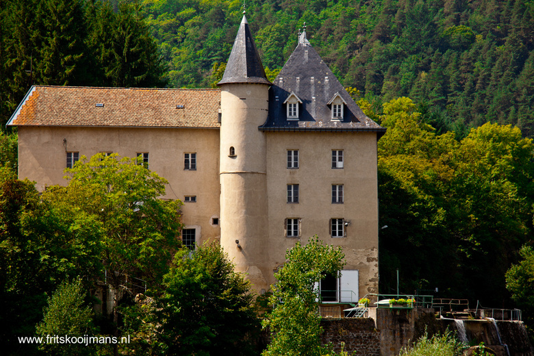 Huis bij brug in Lavoute-sur-loire - Huis bij brug in Lavoute-sur-loire