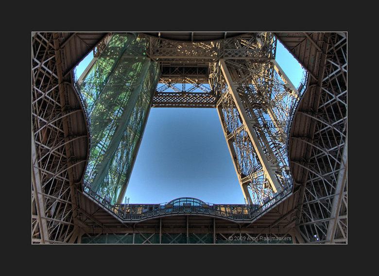 Parijs Tour Eiffel6 - Enkele foto&#039;s van deze massa metaal.<br /> <br /> Bedankt voor kritische blik (scherpte) bij de vorige. Deze is met zelfd