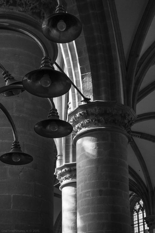 Lights.. - Detail van de verlichting van de grote kerk in Dordrecht.