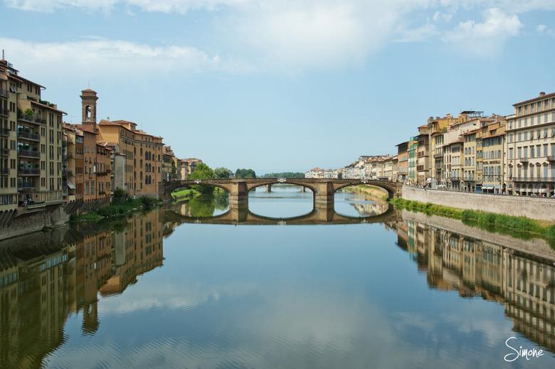 Reflectie  - Deze foto is gemaakt in Florence tijdens een warme zomerdag.