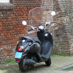 Verlaten scooter