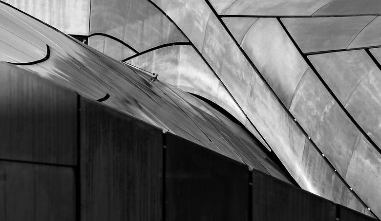 Station Arnhem 23 - Lijnenspel van het dak