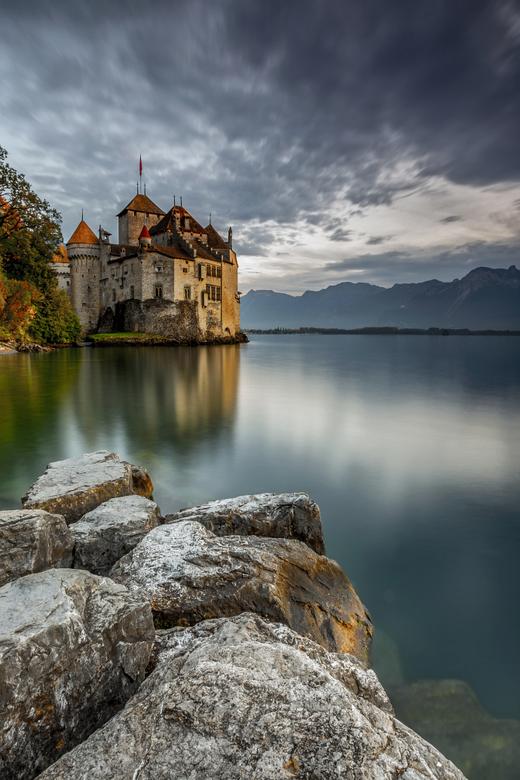 Zwitserland - Omdat het water te wild was, was het onmogelijk om een stille<br /> spiegeling in het water te krijgen, dus werd voor mij de voorgrond