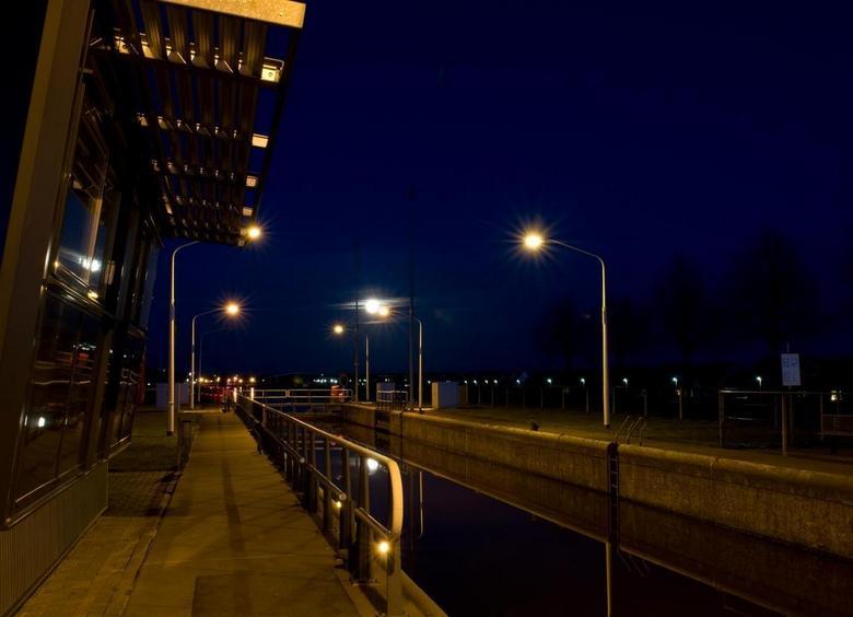 Sluis Hoogeveen - Sluis van Hoogeveen bij avond